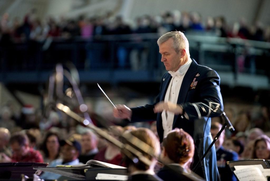 En dirigeren maar... wil jij dat echt eens proberen, proeven, leren? Geef je op voor Maestro Zoetermeer.