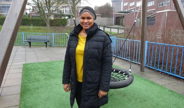 Fatoumata Diallo (39) uit Sliedrecht is begeleid door een van de vrijwilligers van Home Start. (Foto: Eline Lohman)