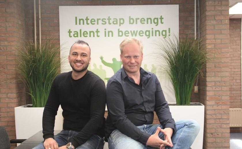Locatiemanager Niels Schoterman (r) van reïntegratiebedrijf Interstap organiseert de banenbeurs samen met Barry Zamanzada.