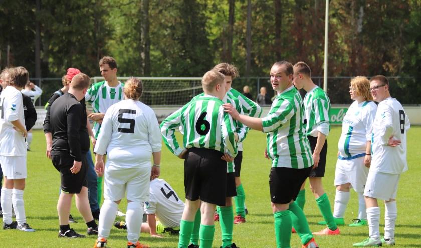 Zaterdag werd het jaarlijkse voetbaltoernooi voor G-voetballers gehouden op de velden van v.v. Haaksbergen.