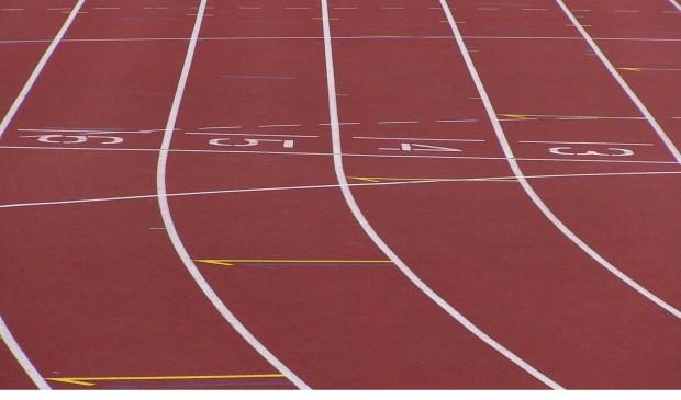 Wil jij ook graag eens kennismaken met atletiek? Dat kan! Je mag 3 keer gratis mee komen trainen met je leeftijdsgenootjes bij DAK.