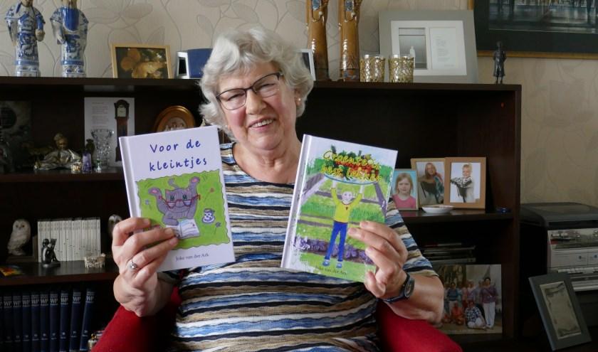 Op woensdag 15 mei leest zij in de bibliotheek voor uit de boekjes 'Voor de kleintjes'en 'Groente is best lekker'.