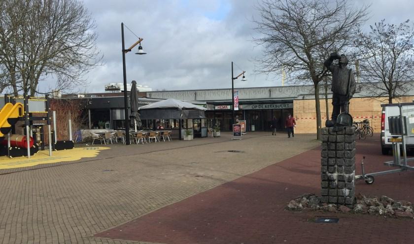 Het Merwedeplein in Sliedrecht dat zaterdag het toneel is van twee evenementen. (Foto: Nanda van Heteren)