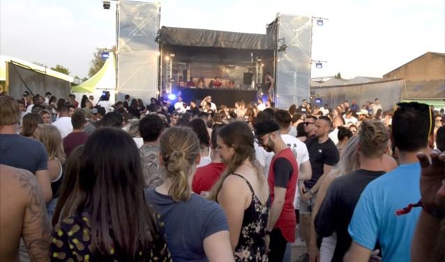 Het Riverdalefestival was vorig jaar een groot succes en is dit jaar verhuisd naar de Goudse Poort. Op GOUDasfalt komt het Select Festival. Foto: Marianka Peters