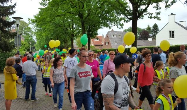 De wandelvierdaagse voert de deelnemers door de straten van Helmond en omgeving.