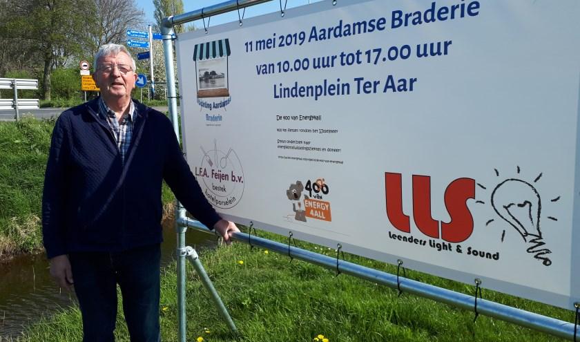 Pieter de Vries is in zijn nopjes met het muzikale geweld op de Ter Aarse Braderie.