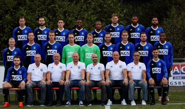 Teamfoto Pelikaan 1. (FOTO: Peter van der Waal)