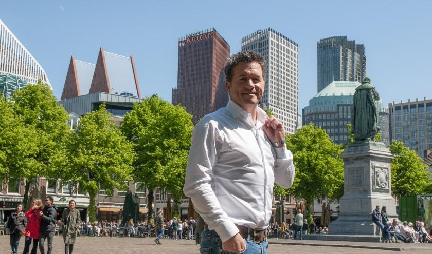 Bij een bezoek aan onze stad kwam Michel Frits Wester tegen, de bekende politiek verslaggever van RTL (Foto: Michel Groen)