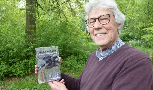 René Karels boeit met zijn nieuwe boek 'Beekwater'.