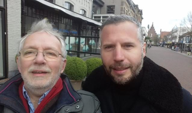 De Waalwijkse historicus Jan van Oudheusden samen met presentator Tijl Beckand.