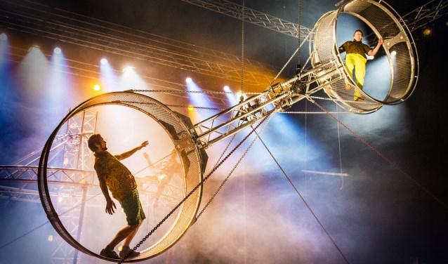 Betoverend mooie en spectaculaire Nouveau Cirque uit Finland (foto: Peter Hellman).