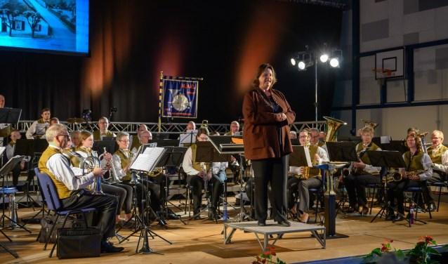 Burgemeester Daphne Bergman speelt mee tijdens het Maestroconcert in het openingsweekend in maart. (foto: eigen foto)