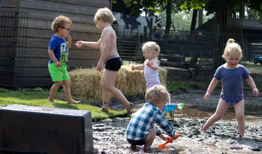 (Zwart) zand, water en kinderen, een perfectie combinatie
