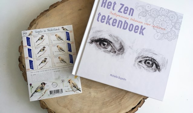 Het werk van kunstenares Michelle Dujardin is onder meer verkrijgbaar als boek en postzegels