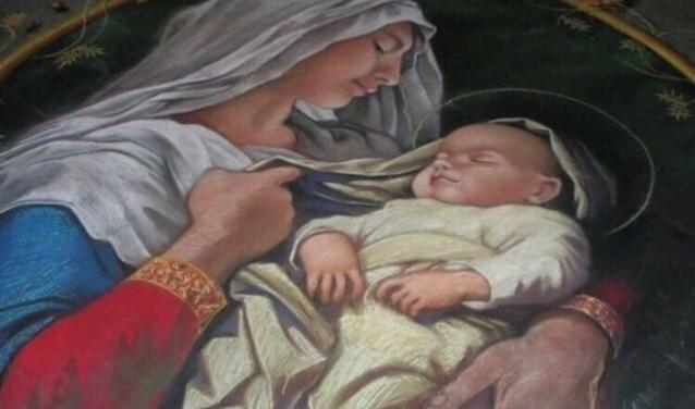 De band tussen moeder en kind is soms hecht en liefdevol en soms moeizaam en pijnlijk maar er is altijd een verhaal.