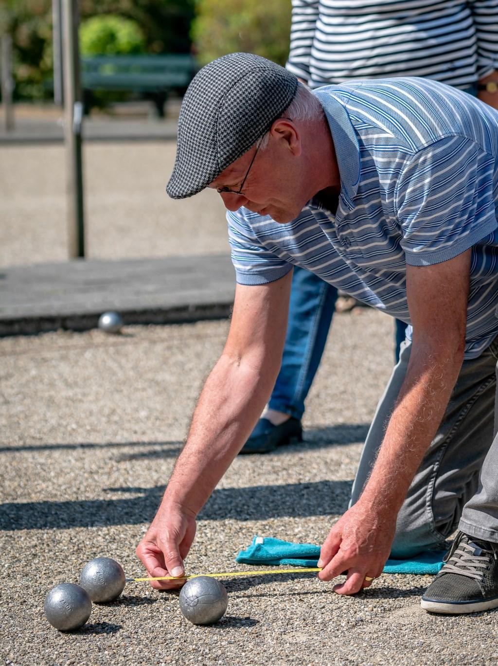 Meting tijdens een jeu de boules wedstrijd  © Persgroep