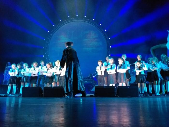 Het koor bij eerdere XXL show. Arie Verhoog © Persgroep