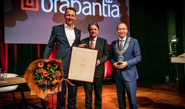 Vlnr: Tijn van Elderen, Brabantia, Wim van de Donk, commissaris van de Koning, Anton Ederveen, burgemeester Valkenswaard.