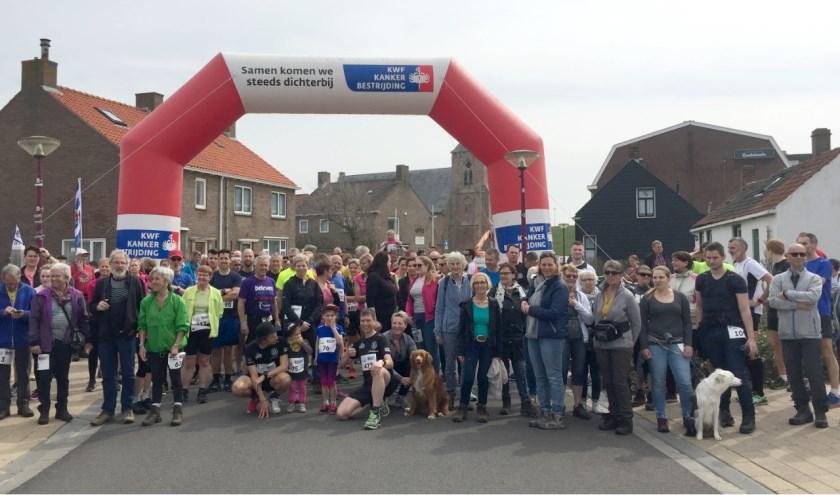 Ook de derde editie van de Strandloop Zoutelande is zowel voor hardlopers als wandelaars. FOTO: STRANDLOOP ZOUTELANDE