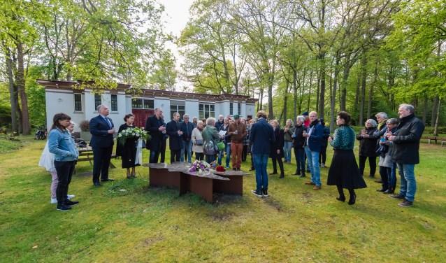 Eerste 4 mei herdenking voorpsychiatrische patiënten in Den Dolder. Vergeten slachtoffers Willem Arntz hoeve krijgen na 75 jaar eindelijk aandacht.