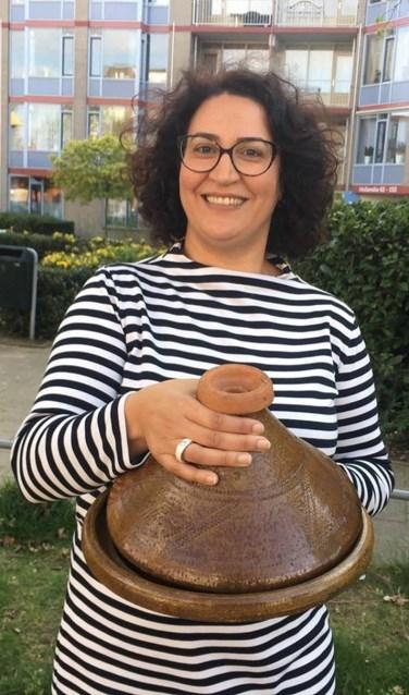Nadia Aliyat,: 'Van een workshop koken met tajine tot vertelfestival en Oosterse Wereld Souk. Het programma van de Week van Landverhuizers is kleurrijk en veelzijdig.' (Foto: PR)