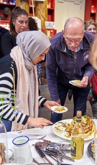 Schuif aan bij een iftar/maaltijd bij het Stedelijk Museum Schiedam.