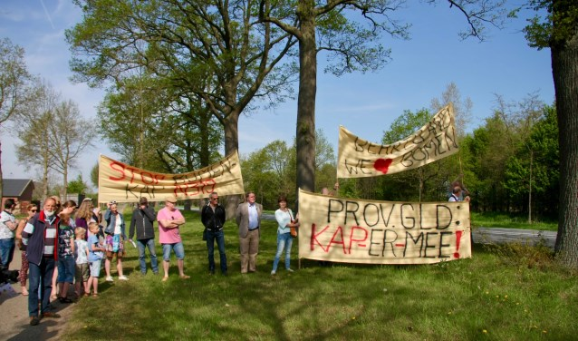 De protestactie, enkele weken geleden, was het begin voor een burgerinitiatief om de staten van Gelderland het kapbeleid te laten heroverwegen. Foto: Eveline Zuurbier