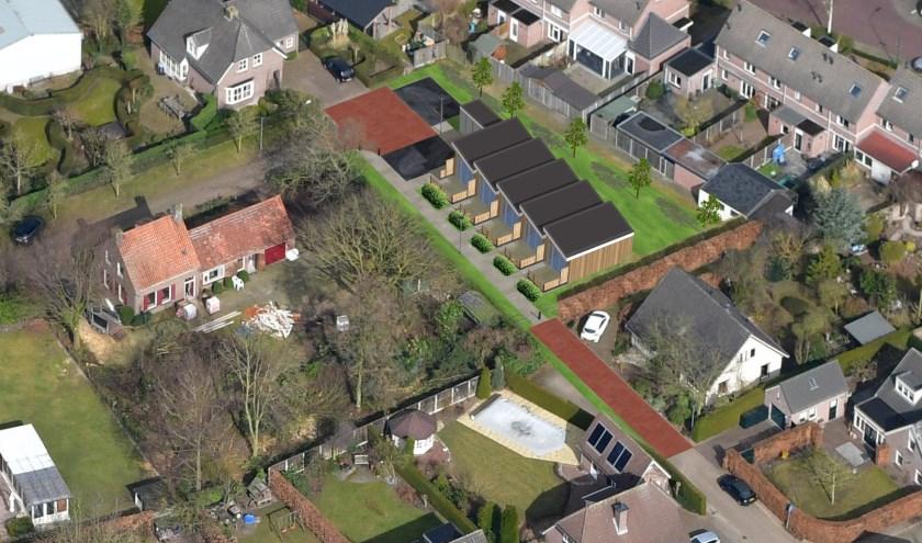 De vijf tiny houses staan midden op de foto ingetekend. (foto: gemeente Boxmeer)
