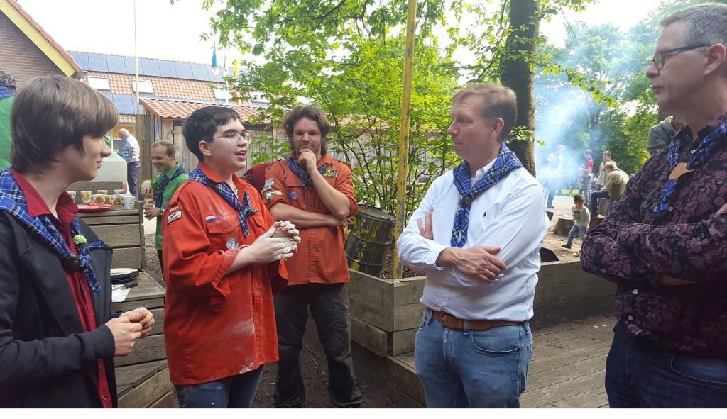 Maarten vertelt waarom scouting leuk is.  © Persgroep