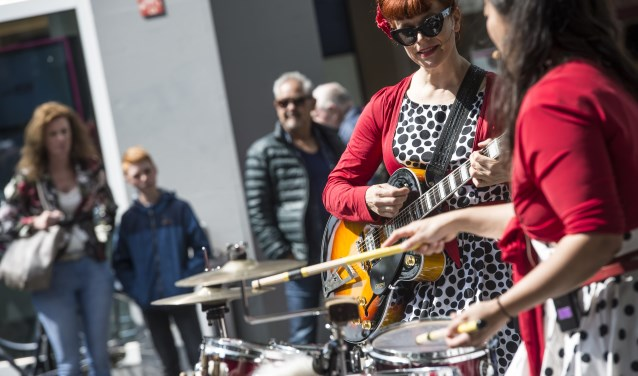Drie achtereenvolgende weekendenzijn optredens van talenten en professionele muzikanten uit onze eigen stad en van elders.