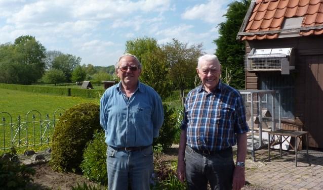 De broers Geert (l) en Daan Visscher. Alle jaren wonen de broers op dezelfde vierkante meters. (foto: Hilde Wijnen)