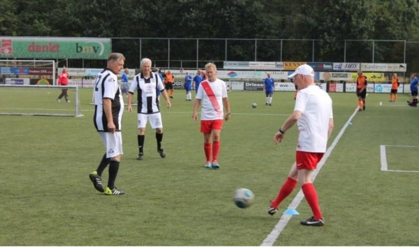 Het grootste OldStars walking football evenement van Nederland vindt plaats in Almelo op donderdag 6 en vrijdag 7 juni