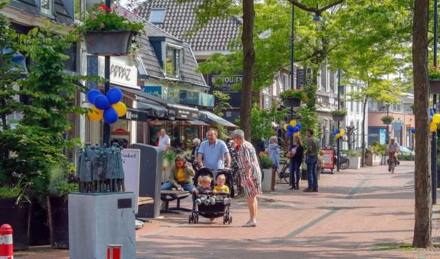 De organisatie van de Winkelier van het Jaar-verkiezing is haar zoektocht gestart naar de beste lokale winkeliers van Nederland. Ook in de Kromstraat in Veldhoven. FOTO:  Bert Jansen.