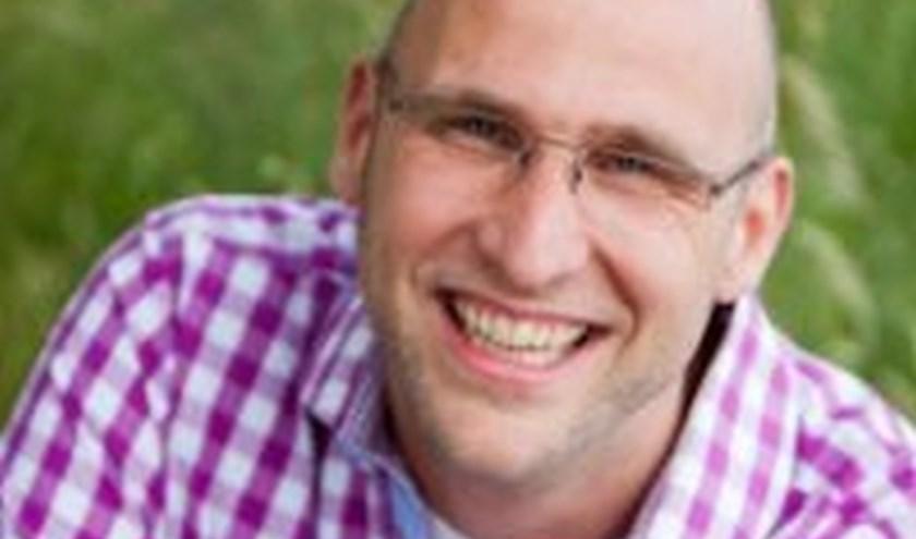 Het Huis van Spiritualiteit in Denekamp heeft Raymond Niemeijer uitgenodigd om engelen aan te roepen.