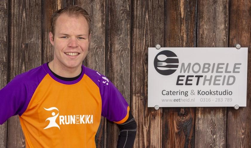 Bram Wolbrink is volop in training voor de marathon van New York, maar hij heeft genoeg energie over om een benefietdiner te houden bij de Mobiele Eetheid. (foto: Bas Bakema)