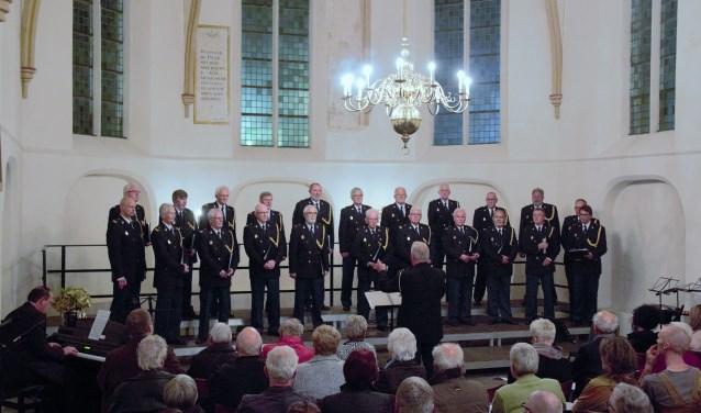 Het IJssellands Politie Mannenkoor treedt nog één keer op: vrijdag 10 mei in de Dominicanenkerk. (foto: Piet Pont)