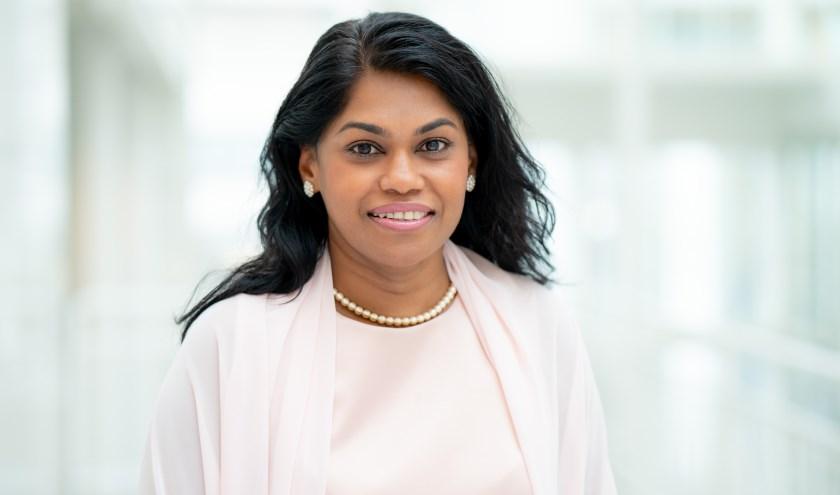 Wethouder Kavita Parbhudayal (jeugd en zorg) vindt het belangrijk dat geld daar terecht komt waar het voor bedoeld is: de zorg voor kinderen en gezinnen.
