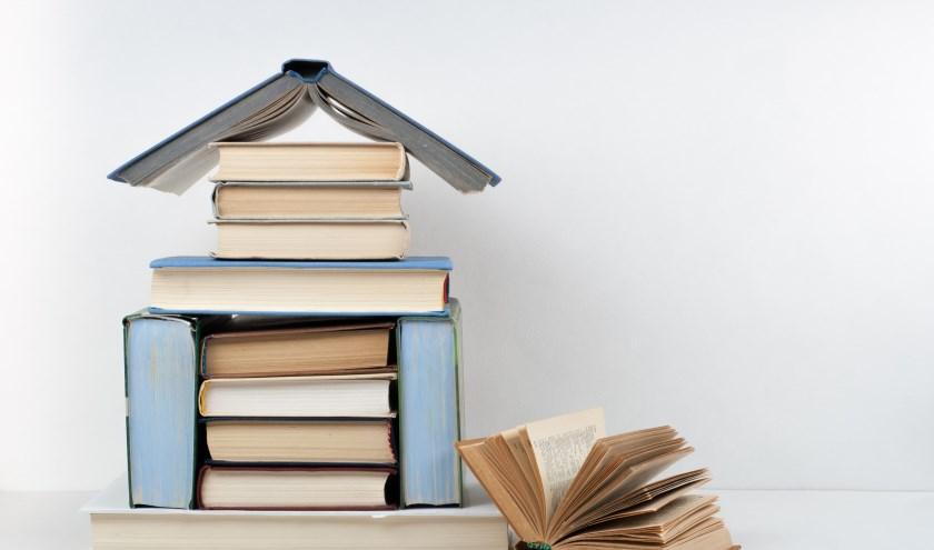 Dankzij Boek aan Huis kunnen mensen die gebonden zijn aan huis gewoon de nieuwste boeken lezen. (foto: Shutterstock.com)