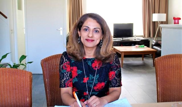 Gemeenteraadslid Lily Maaref (CDA) uit haar zorgen over de stagnatie in het taalonderwijs aan statushouders.