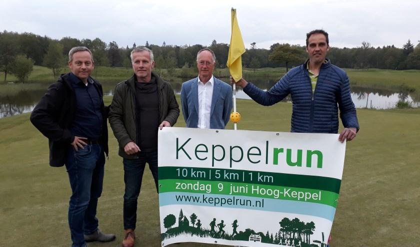 """V.l.n.r. Rob Meenhuis, Henk Teunissen, Leo van Beek en Maarten Eskes. """"Het parcours van de 5 km is nu nog mooier."""" (foto: Ceciel Bremer)"""