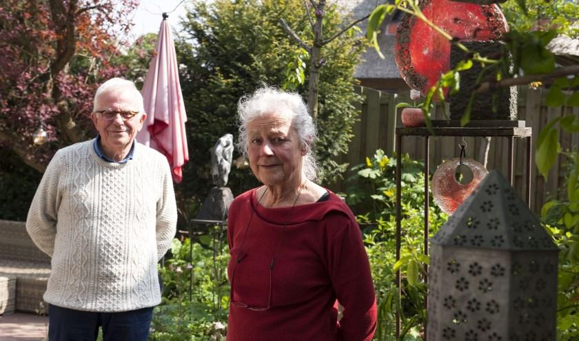 Mathieu Geurts en Monique van Eechoud maken zich zorgen over de toekomst van de Open Academie in Bemmel. (foto: Ellen Koelewijn)
