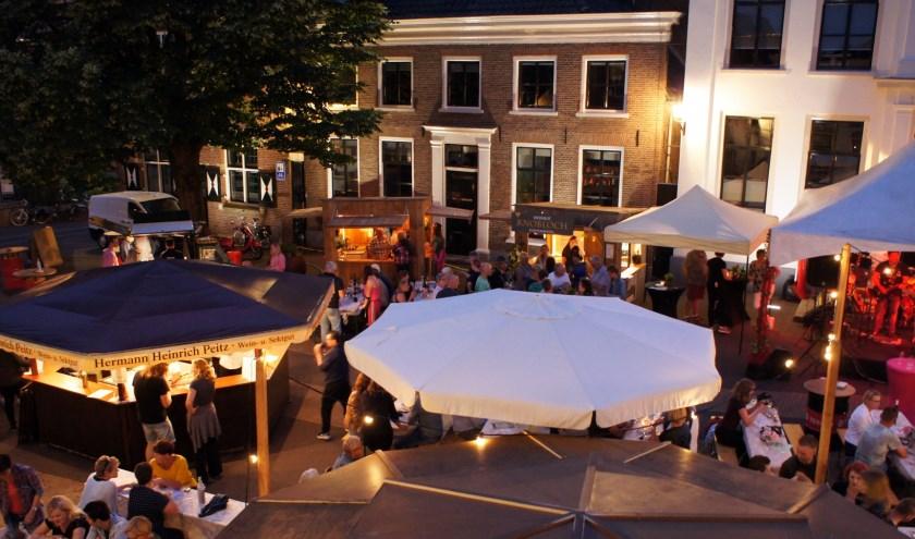 Het centrum van Aalten wordt omgetoverd tot één grote wijnproeverij. (Archieffoto)