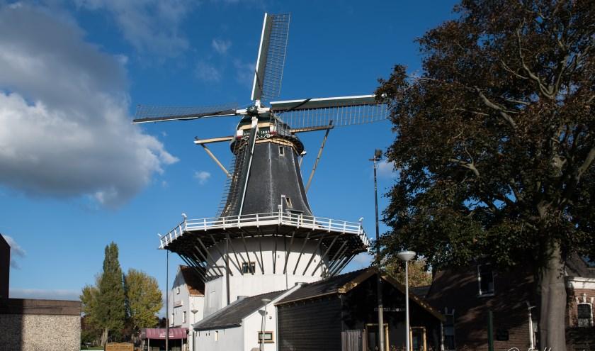 Korenmolen De Eendracht in Alphen is een van de vele molens die mensen graag binnen uitnodigt om een kijkje te nemen.