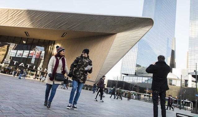 """""""Het CS is al gaaf, maar is ook de entree van Rotterdam, waarbij mensen het gevoel krijgen, die stad wil ik ontdekken."""" (Foto Guido Pijper)"""