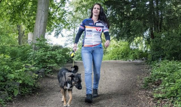 Wil je Floor van den Bosch sponsoren bij haar deelname aan Alpe d'HuZes? Kijk dan op de actiepagina opgevenisgeenoptie.nl (foto: Auke Pluim)