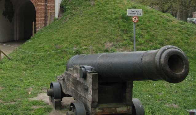 Kanon op Fort Isabella.