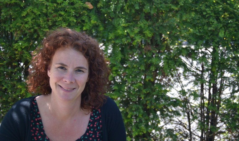 Vera Hersbach is de nieuwe directeur-bestuurder van Welzijn Hoeksche Waard. De veelheid van activiteiten en de energie van medewerkers zijn haar al meteen opgevallen. (foto: pr Welzijn HW)