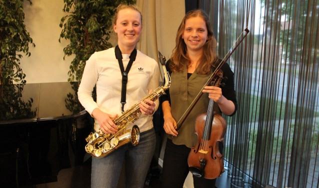De solistes: Linda Holleman (l) en Arianne in 't Veld. Foto: Anne-Marie Vahl-Gorter
