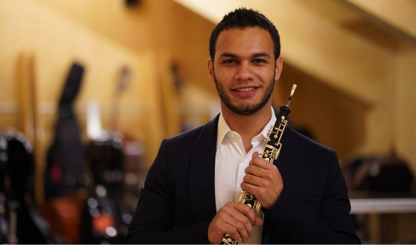 Hoboïst Samuel Aguirre speelt een hoofdrol in het concert. Foto: PR