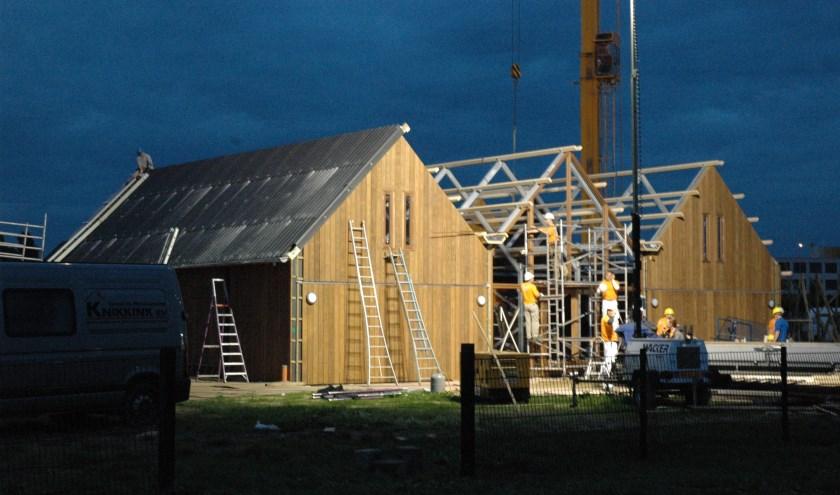 Drie dagen en twee nachten werd in 2006 nonstop gewerkt aan de gebouwen in het Horsterpark.
